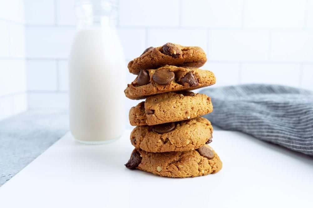 Pili Nut Chocolate Chip Cookies