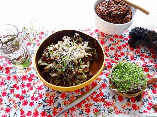 Roasted Red Pepper & Kale Pili Pesto